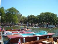Click to view album: 2006 MtDora Boat Show